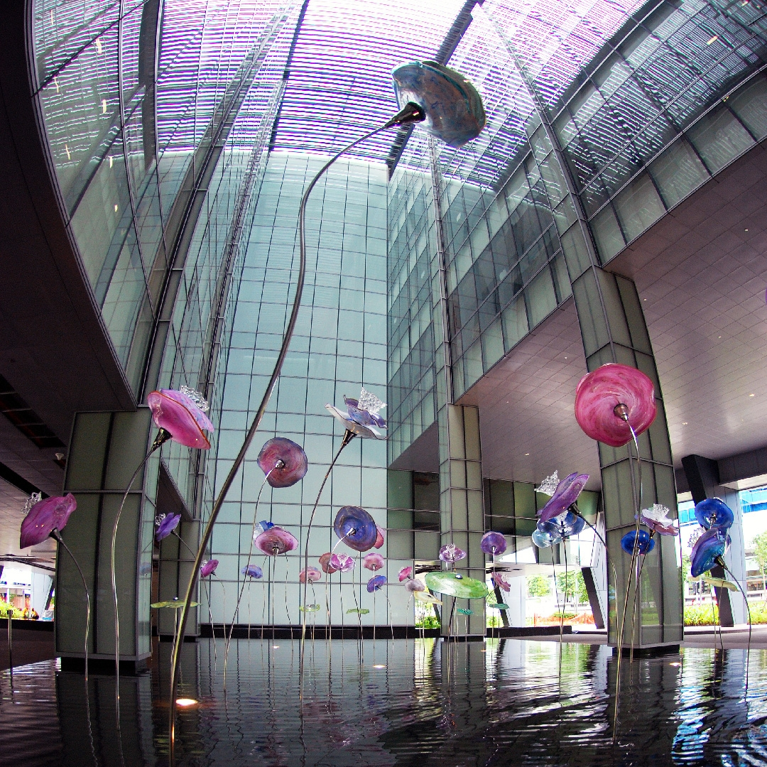 03-enchanting...-glass-and-steel-installation-by-b